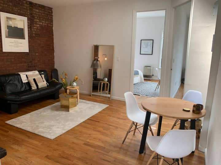 Gorgeous large bedroom in Prime Williamsburg