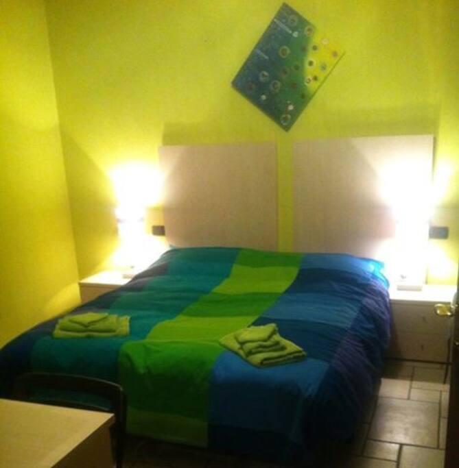 Camera 1 - letto matrimoniale/2 singoli