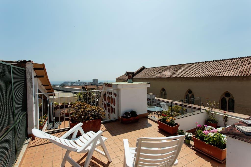 Appartamento centro storico napoli flats for rent in for Airbnb napoli