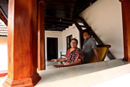 Deluxe Room - 1515 Mepra Farm Stay - Mepral, P.O Thiruvalla - Bed & Breakfast
