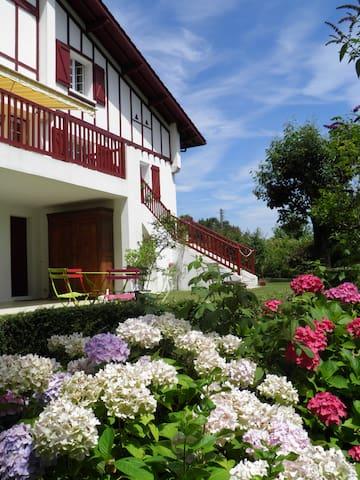 Au coeur du Pays Basque - Hasparren - Bed & Breakfast