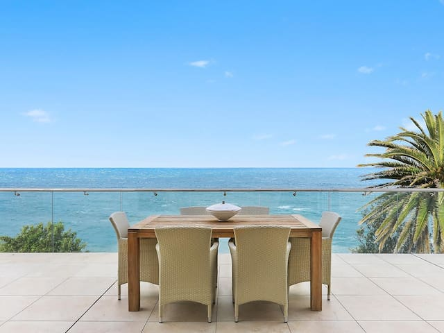 Uninterrupted absolute oceanfront - Avalon Beach - Talo