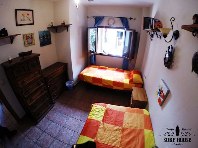 Tarifa Natural Surf Club bed 2 in shared room - Tarifa - Villa