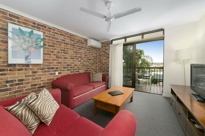 Two Bedroom Apartment Sleeps 4 - Toowong - Apartment
