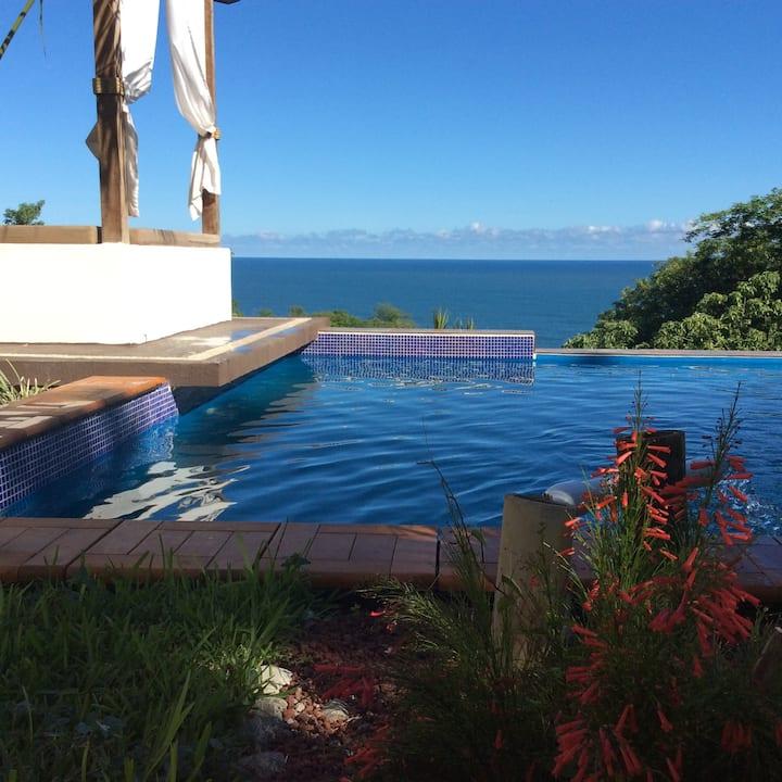 """""""Casa Qi Mazunte"""" bedroom sea view, deluxe A/C"""