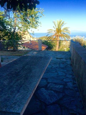 Un havre de paix vue mer au Cap Cor - Brando - House
