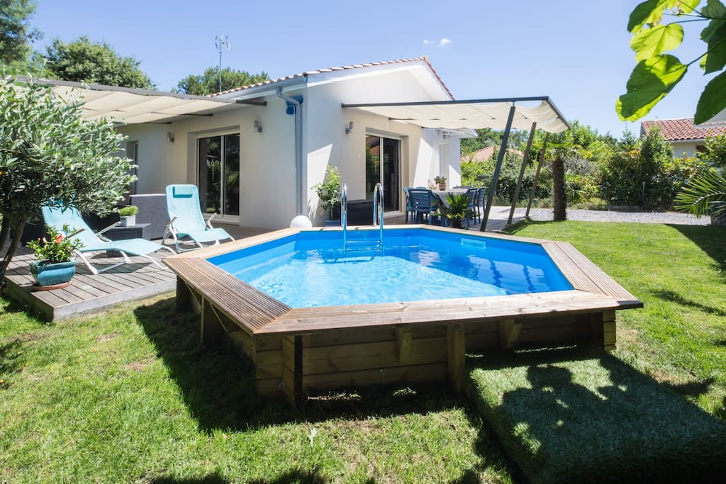 Villa r cente avec piscine houses for rent in gujan for Piscine spa gujan mestras