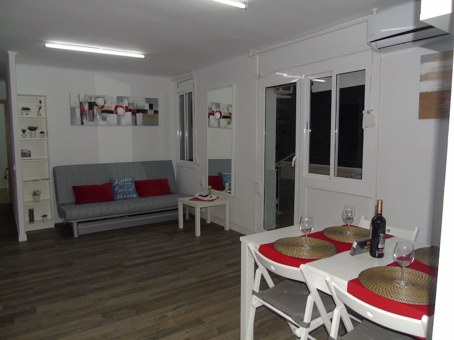 CLOSE 5 min walK to the Large shopping centrum- Diagonal Mar,  beach, historical museum, fitness club, promenade, swimming pool, all kind of transportation, by metro 12 min to Plaza Catalunya! Welcome to our Home!!