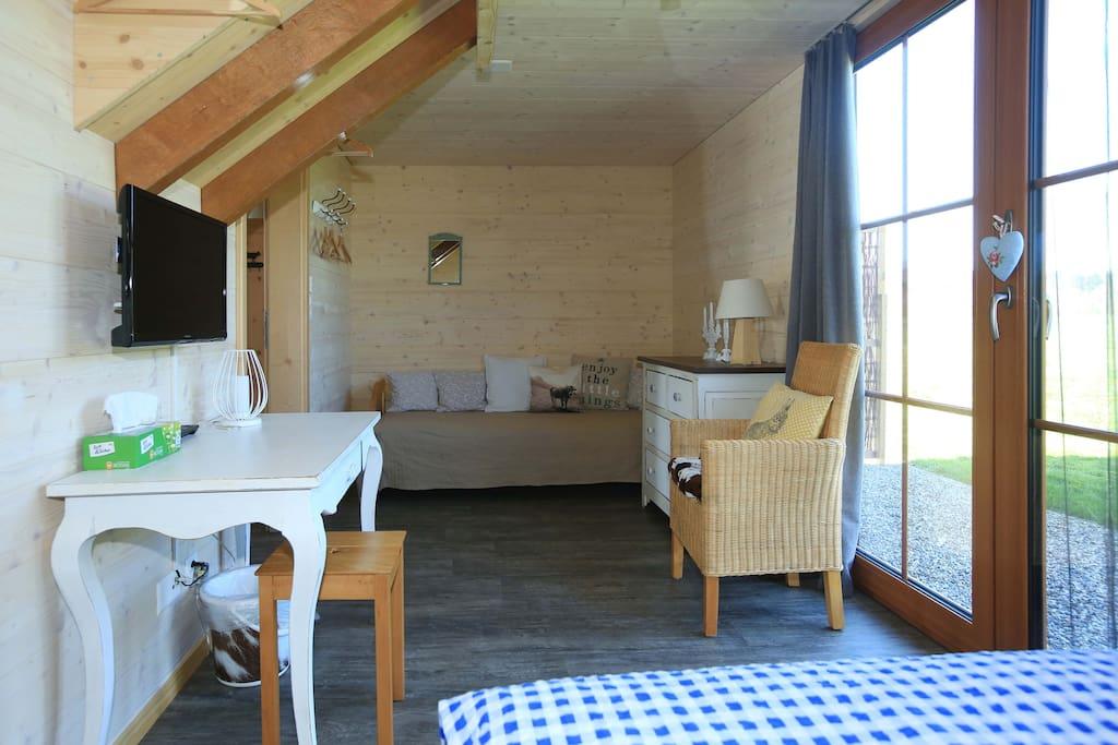 Zimmer 1 mit separatem Sitzplatz