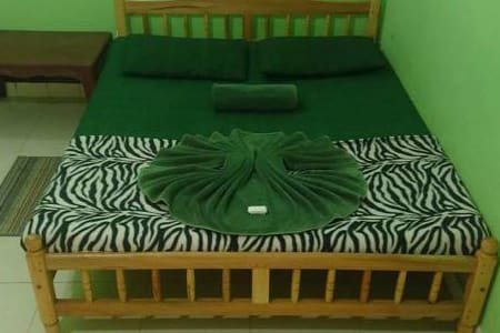 Budget Double Room In Kandy - Peradeniya