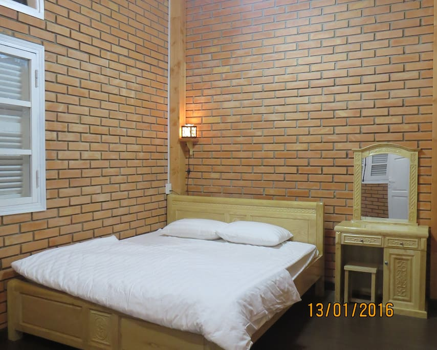 2 Bed Rooms: double bed