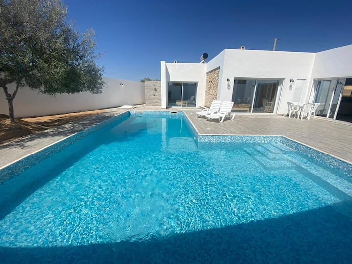 """Villa """"GAYA"""" piscine 100% sans vis à vis Djerba"""