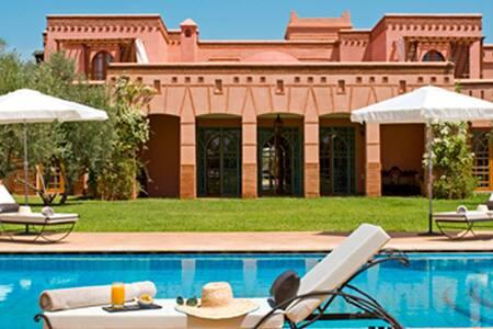 Suite dans villa de rêve au calme - Marrakesh