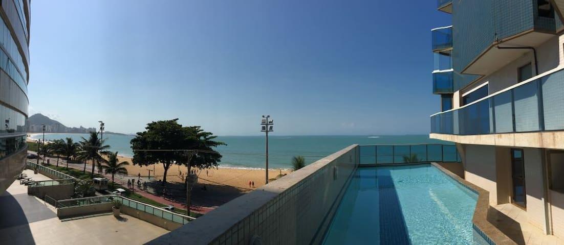 A melhor localização da Praia da Costa.