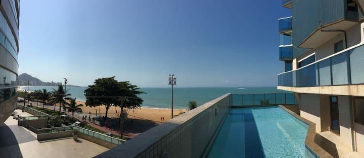 A melhor localização em  frente a Praia da Costa.