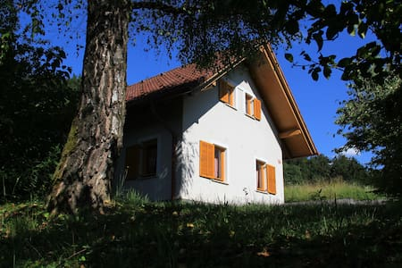 Pretty Little Cottage - Žeje