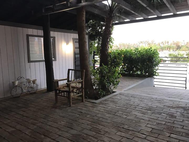 Mohoy studio Marina Front