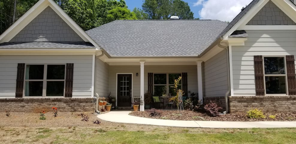 New Monroe home in a quiet neighborhood on 1 acre