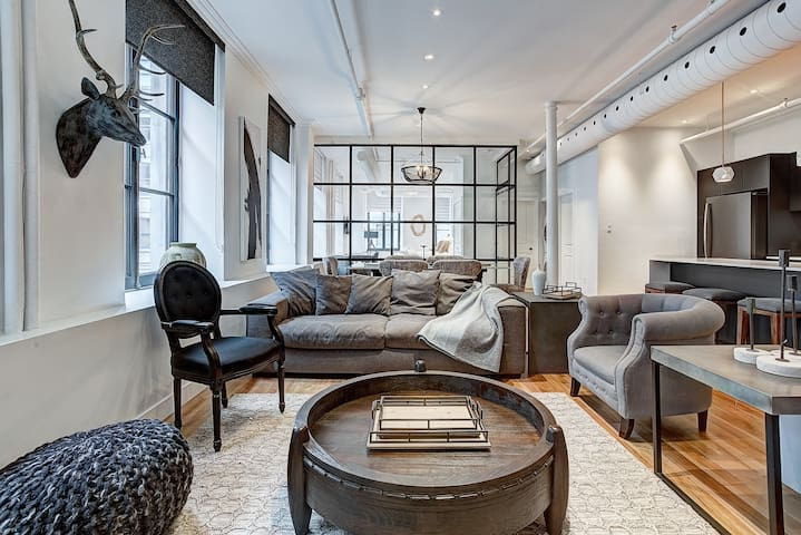 MOST Central EVER 4BEDS-2BA On Saint Paul Old Mtl
