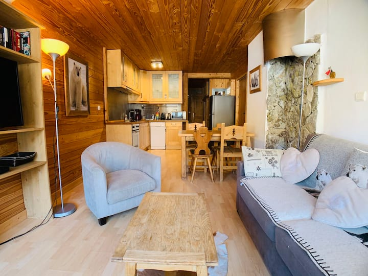 SKI IN SKI OUT TIGNES VAL CLARET ONE BEDROOMED APARTMENT 4 PAX WIFI