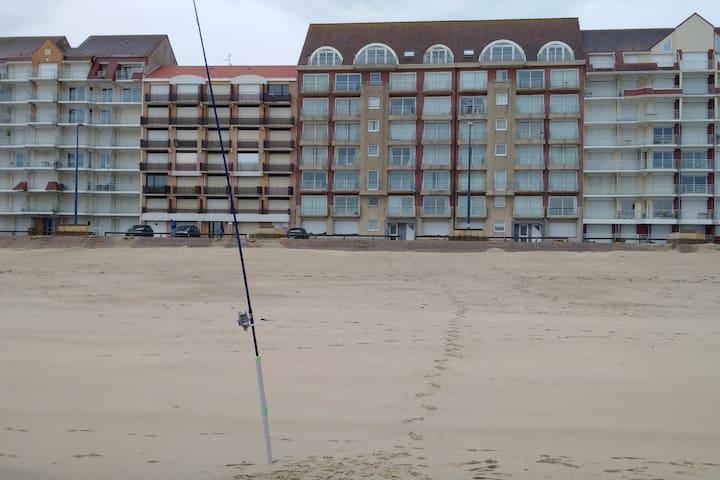 Appartement Front de Mer (Balcon & Parking privé)