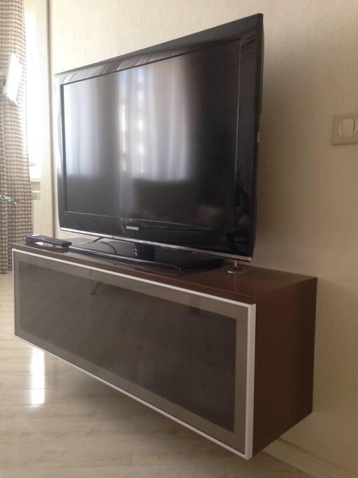 ТВ в гостиной
