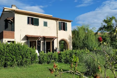 Podere dell'Omone trandy country estate - House