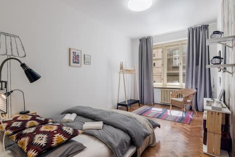 Stay like a local: room in the absolute centre
