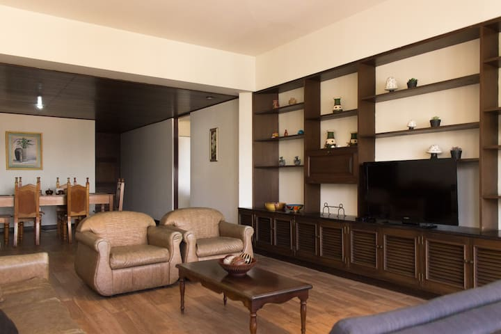 Beautiful apartment in zone 10, the hotel district