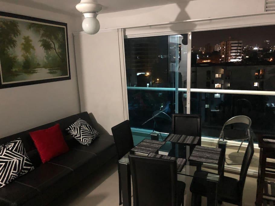 Sala con sofacama, Smartv  y Directv