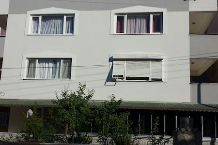 Schöne Ferienwohnung am Strand - Küçükköy Belediyesi - Apartmen