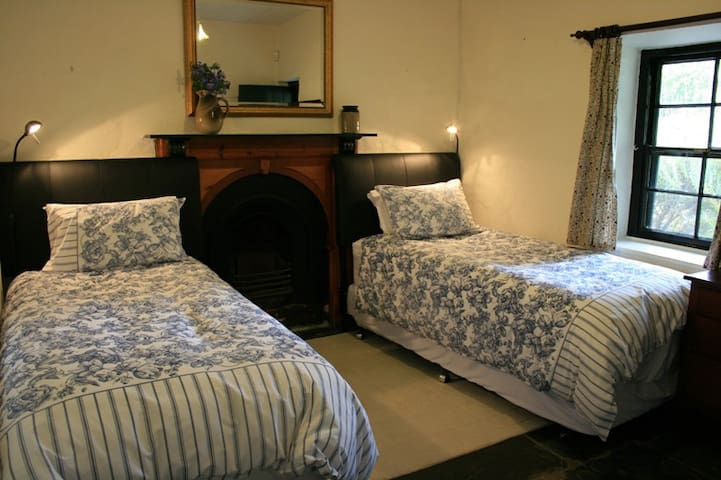 Miner's Cottage! Fleurieu Peninsula - Willunga - Bed & Breakfast