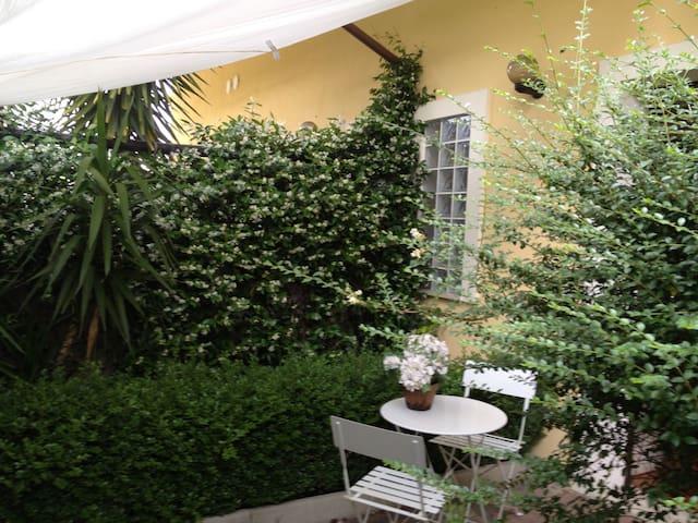 Stanza in villetta - Pescara - Huis
