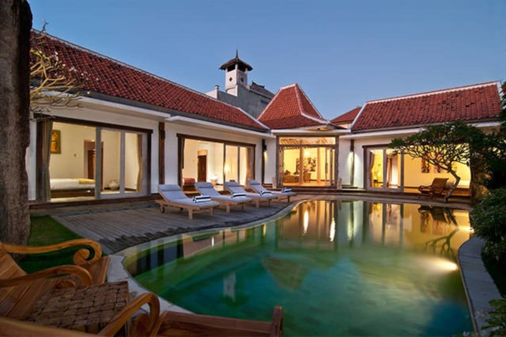 Your very own huge private pool