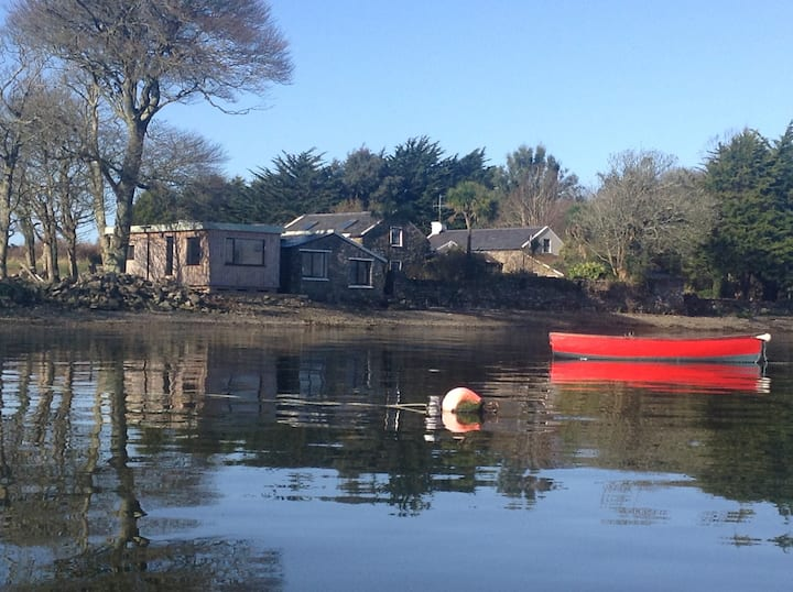 Mulroe Cove - The Boathouse