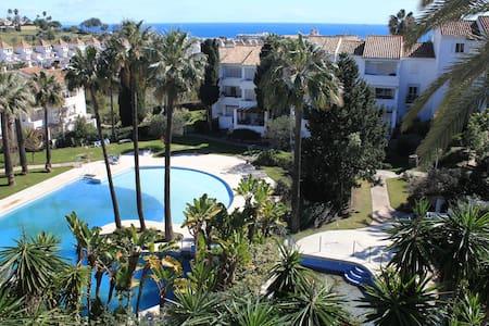 Sunny apartment with stunning views - Manilva - Lakás