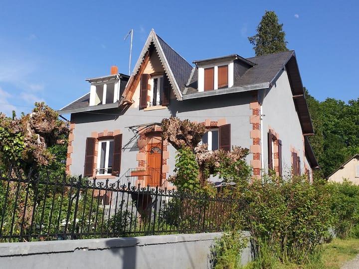 """""""Les Buissonnets"""" situé dans le Morvan """"Mozart"""""""