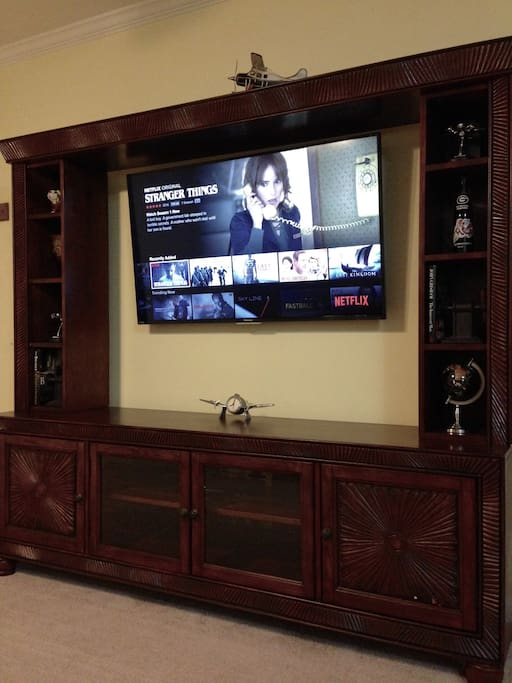 Large Smart TV, Cable, Netflix, and Amazon Prime Video included