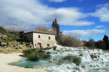 Appartamento con giardino privato - Terme di Saturnia