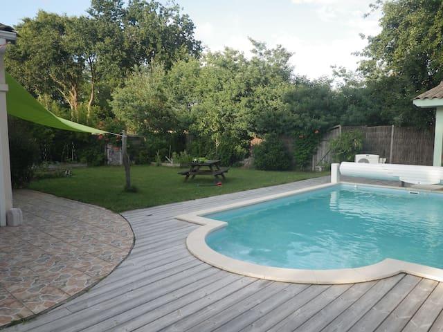Maison piscine farniente océan lac...Carcans bourg