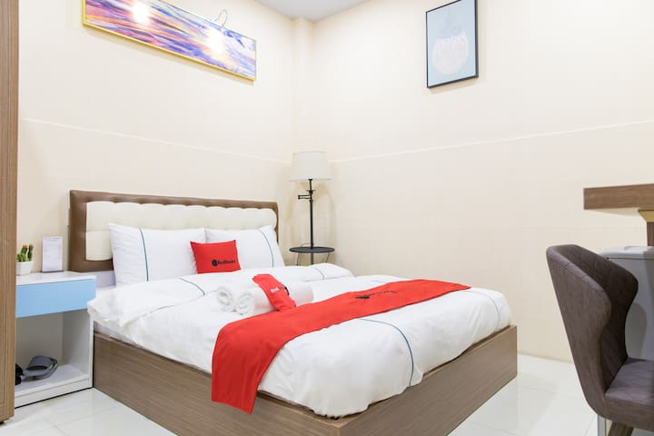 RedDoorz Comfy Rom near Mien Tay Bus Station