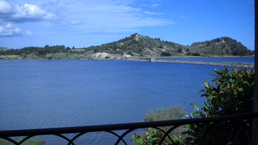 Outstanding lakeside retreat in a Natural Park - Peyriac-de-Mer