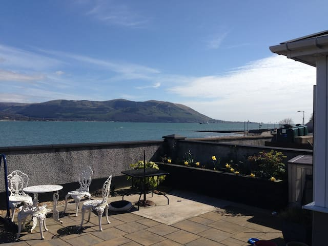 Seaside home by Carlingford Lough - Omeath - Hus