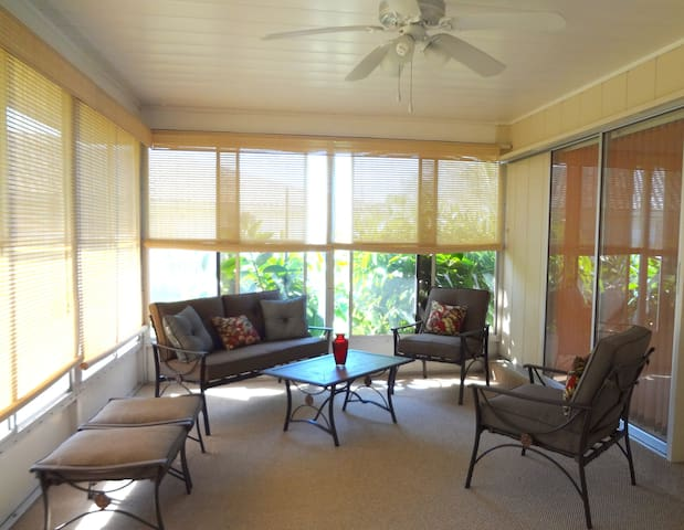 Spacious 3 bedroom house 10 minutes from beach - Osprey - House
