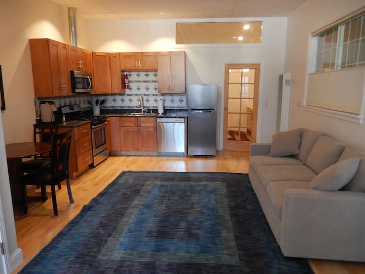 Charming 1 Bdr - 1/2 Mile from UCB