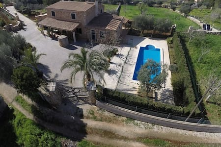 Nice House with pool + child fence