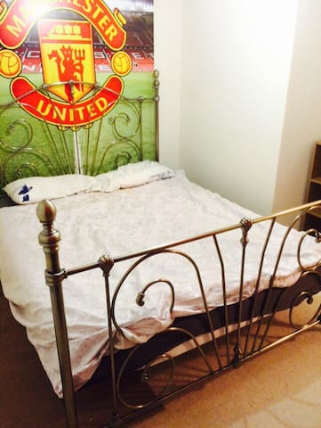 Very nice spacious king size bed - Swindon - Apartament
