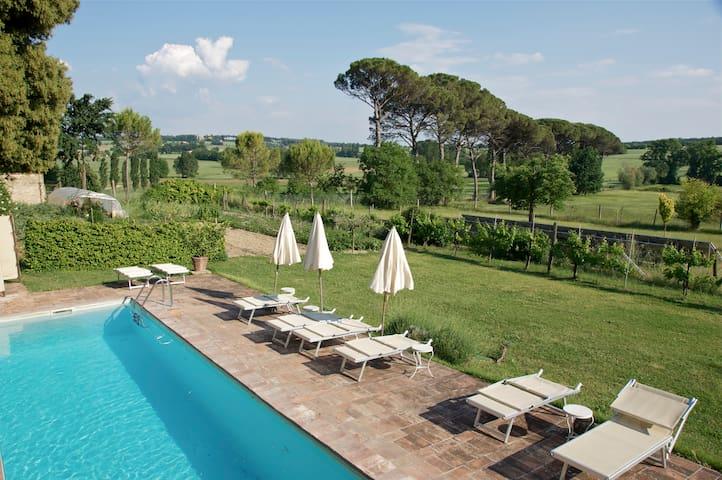 Villa Aureli Adolfo East Apartment - Perugia - Apartment