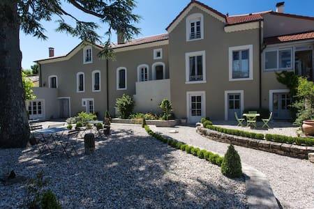 Belle demeure bourgeoise - Vernoux-en-Vivarais