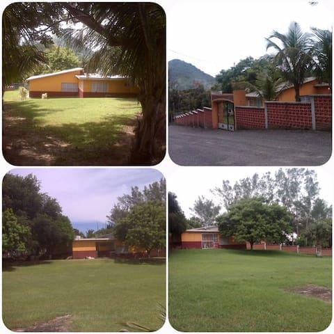 """Renta """"Quinta"""" de descanso en Playa Villa Rica"""